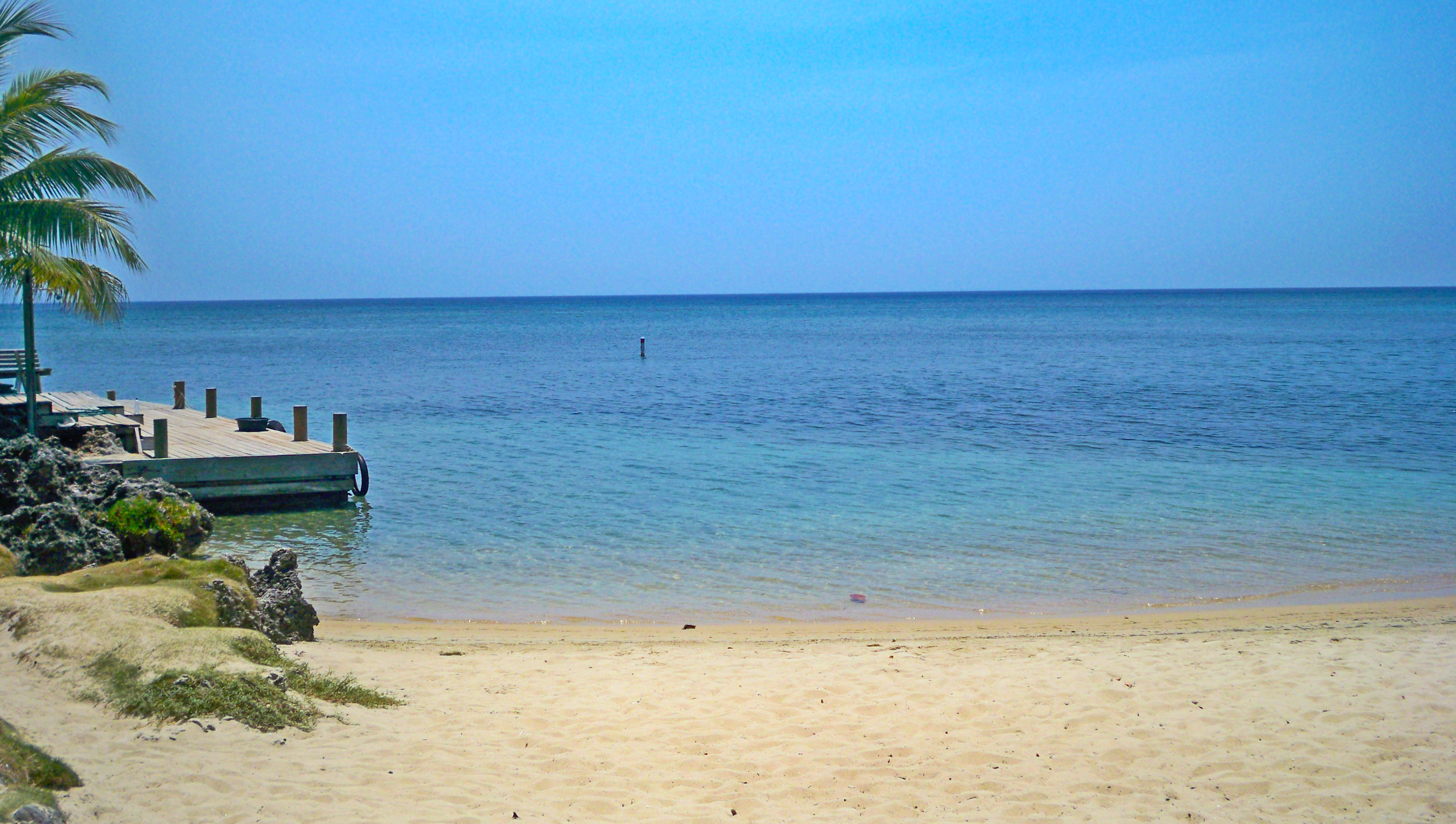 Roatan Beach and Las Rocas Dock