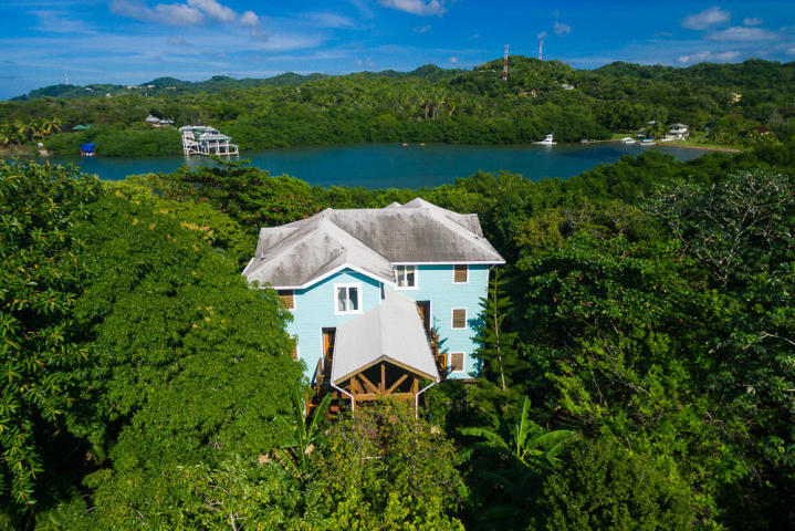 West End Ocean Front Townhouse Roatan MLS 16-107
