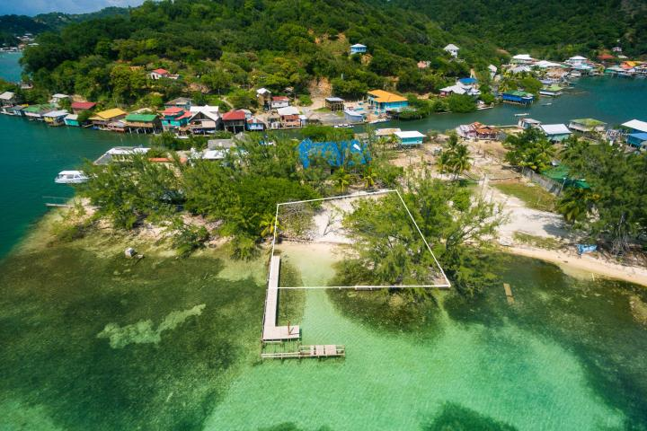 purchase land in Roatan